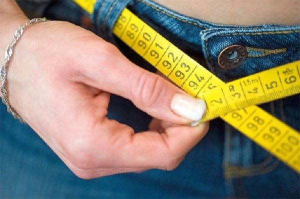 Ученые объяснили, из-за чего люди толстеют зимой