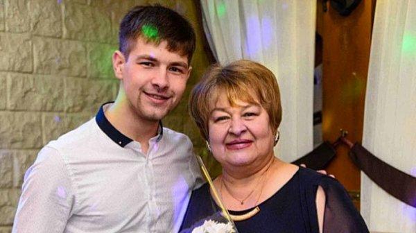 Мать Дмитриенко набросилась на Рапунцель