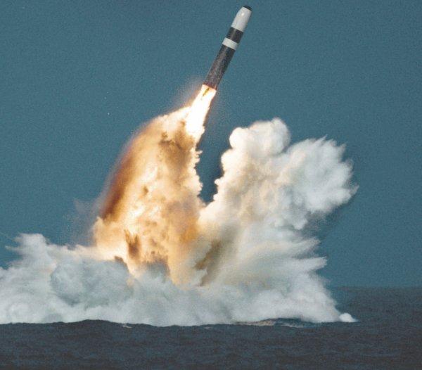 Как россияне помогают Северной Корее строить ядерные ракеты