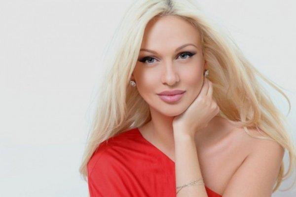Хакеры снова взломали аккаунт Виктории Лопырёвой и выставили порно