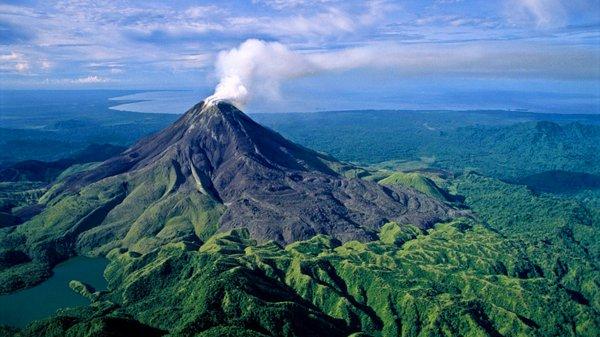 Около 1500 людей эвакуированы из–за извержения вулкана в Папуа - Новая Гвинея