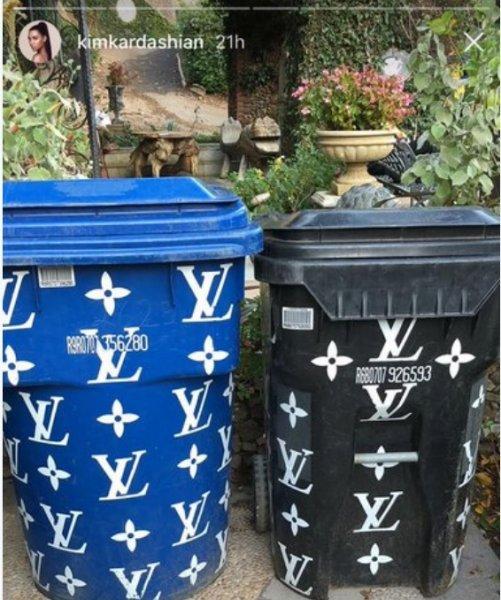 Фанаты хуже мусорки: У Кардашьян баки для отходов от Louis Vuitton