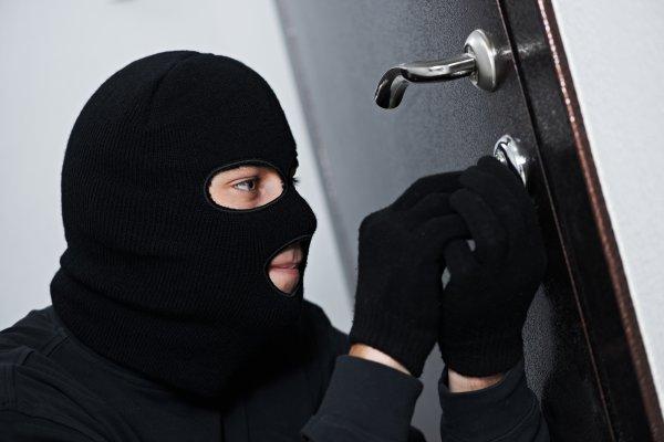 В Крыму житель Белогорского района ограбил своего знакомого из-за мести