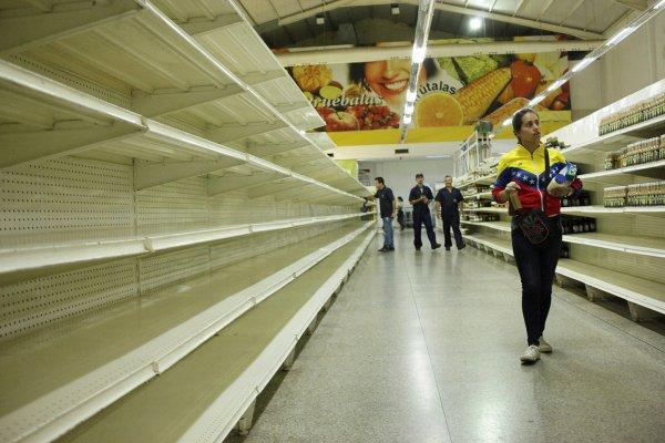 Около 500 тысяч жителей Венесуэлы сбежали в Колумбию
