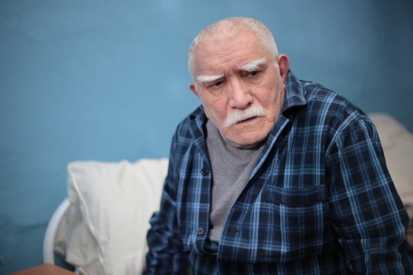 Боятся за сердце: Армена Джигарханяна перевели в кардиологию