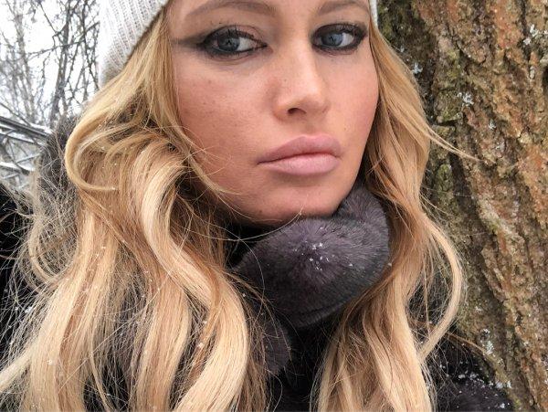 «Размазанные стрелки и трупная помада»: Дану Борисову раскритиковали за макияж