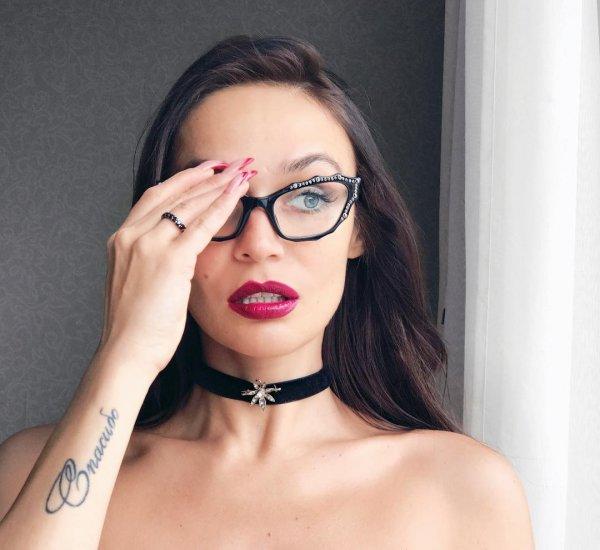 Заядлая курильщица: Алёна Водонаева призналась, что испортило ей внешность