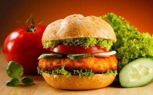 Радиоведущий «ответил» за бутерброд с мясом, оставленный перед веганом