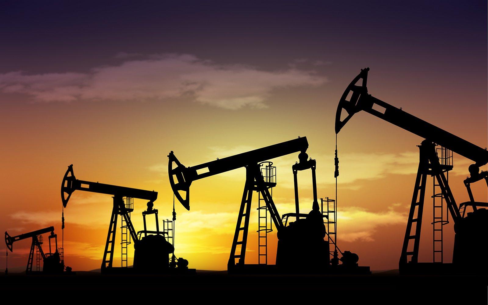 Впервый раз за47 лет США превысили суточную добычу нефти