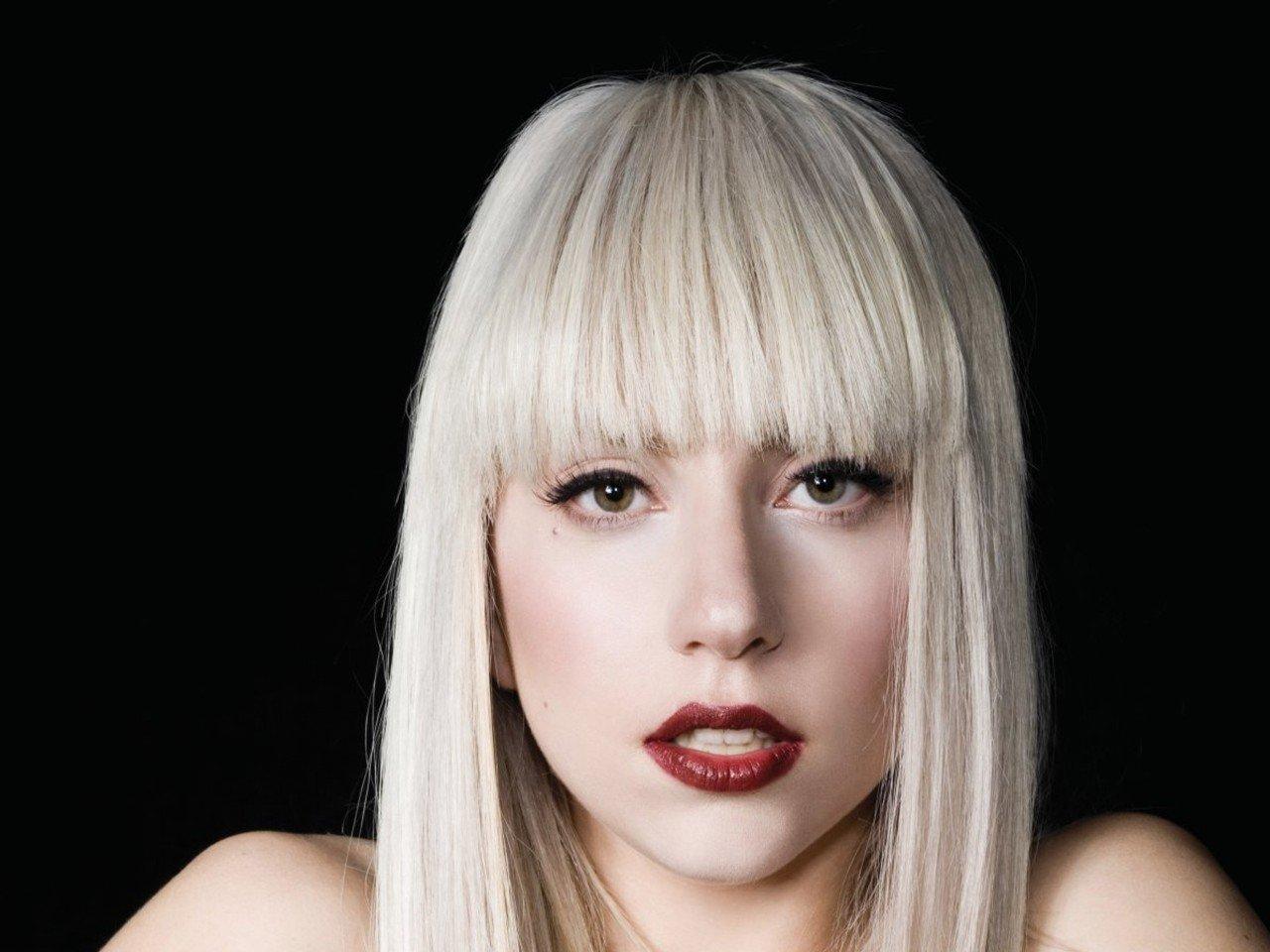 Леди Гага снова отменила концерты вевропейских странах