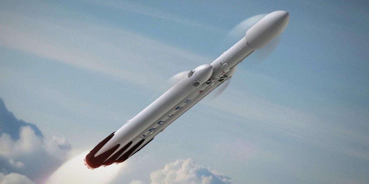 Жители Калифорнии перепутали НЛО с ракетой Falcon Heavy