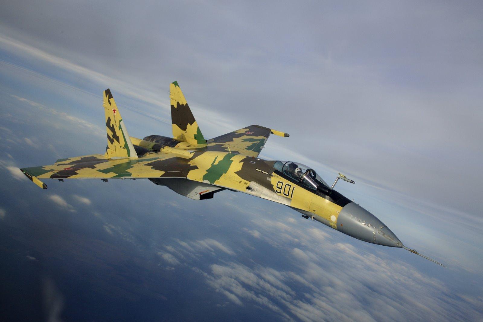 Жители Америки попытались сравнить истребители Су-35 иF-35 инесмогли