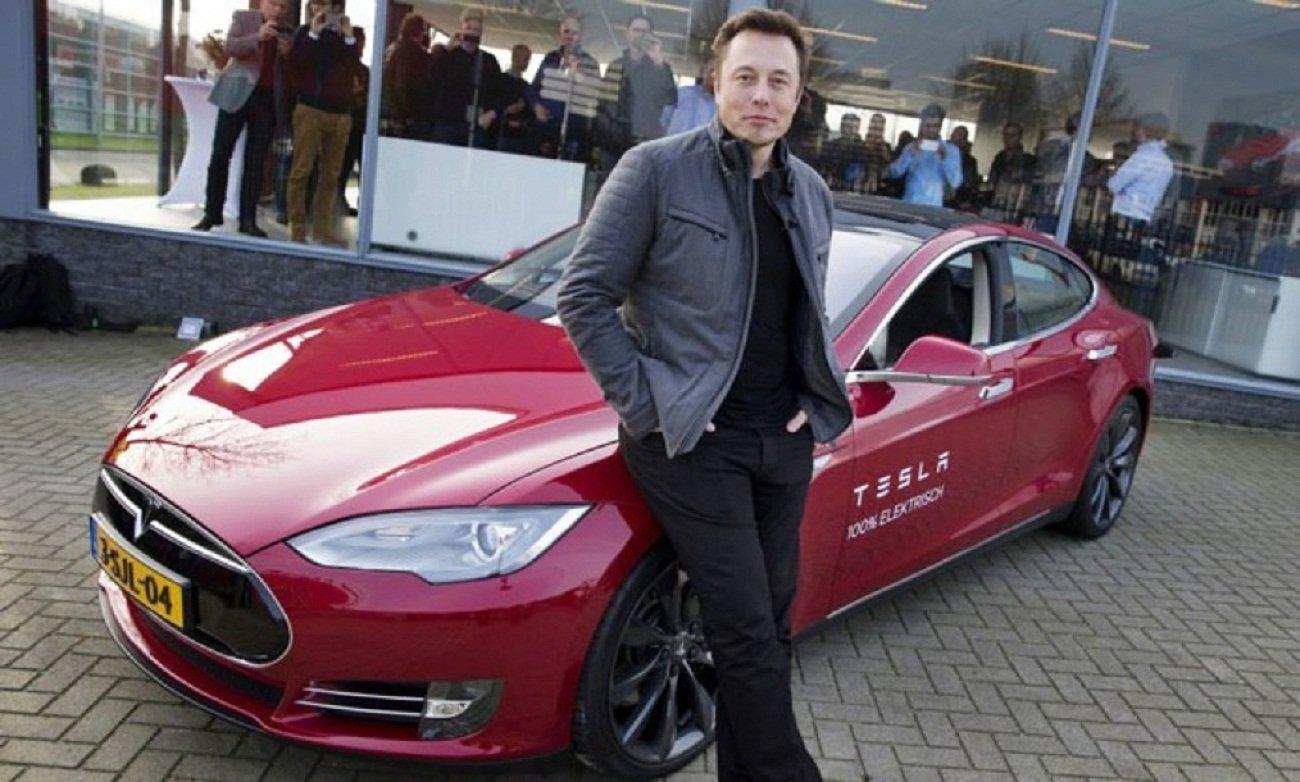 Tesla Маска внесли в базу NASA как космический корабль