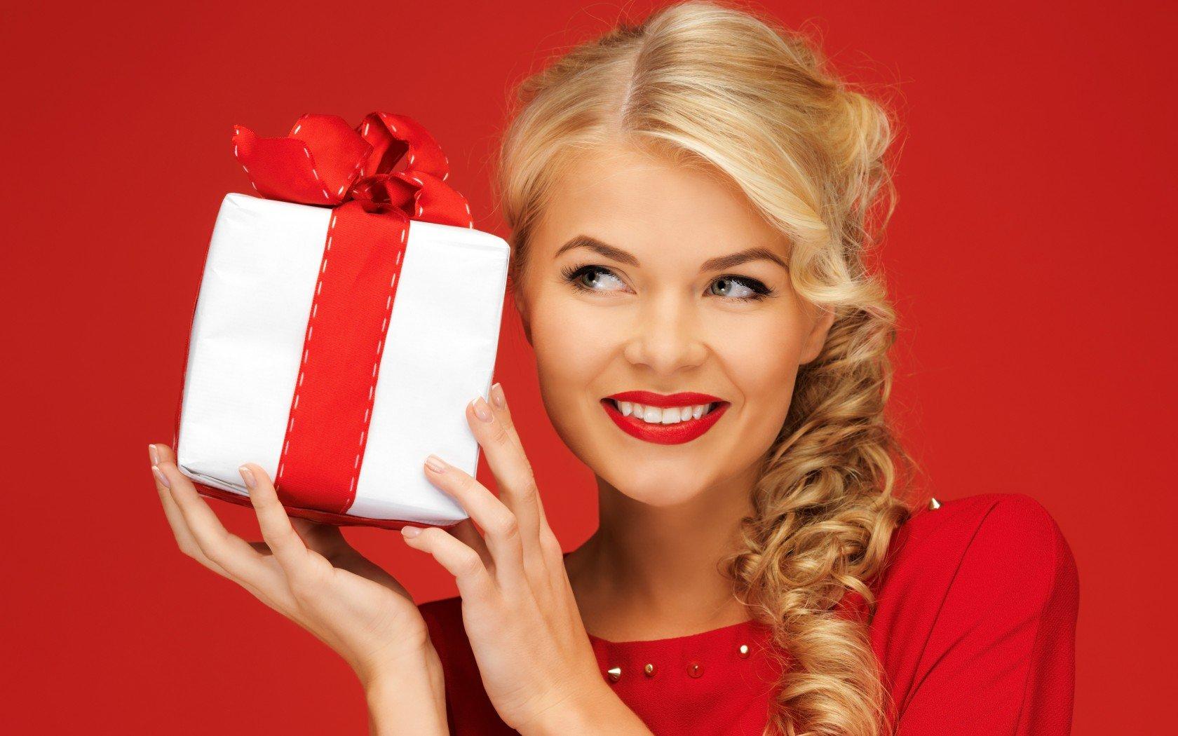 Найти подарок для девушки 979