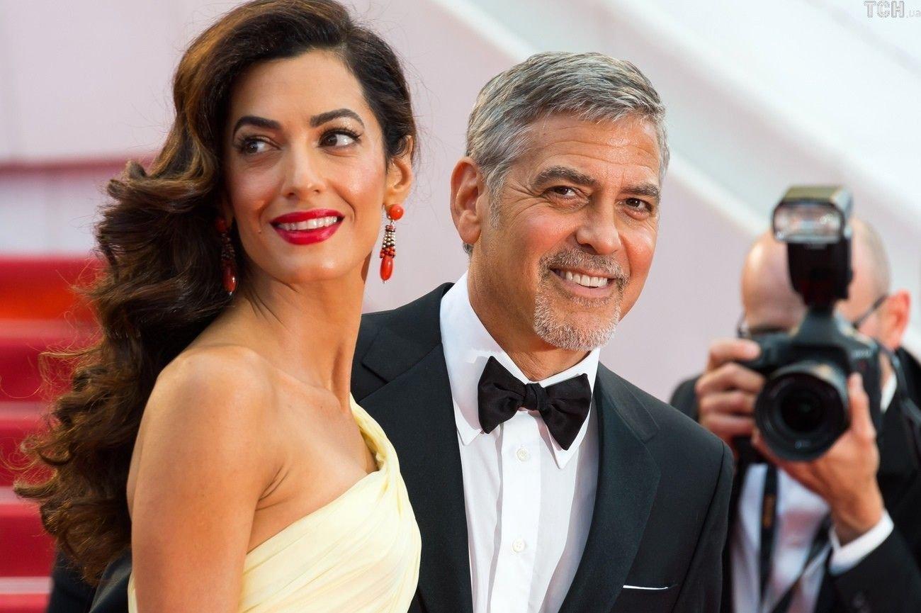 Клуни пожертвует $500 тыс. наужесточение контроля заоружием