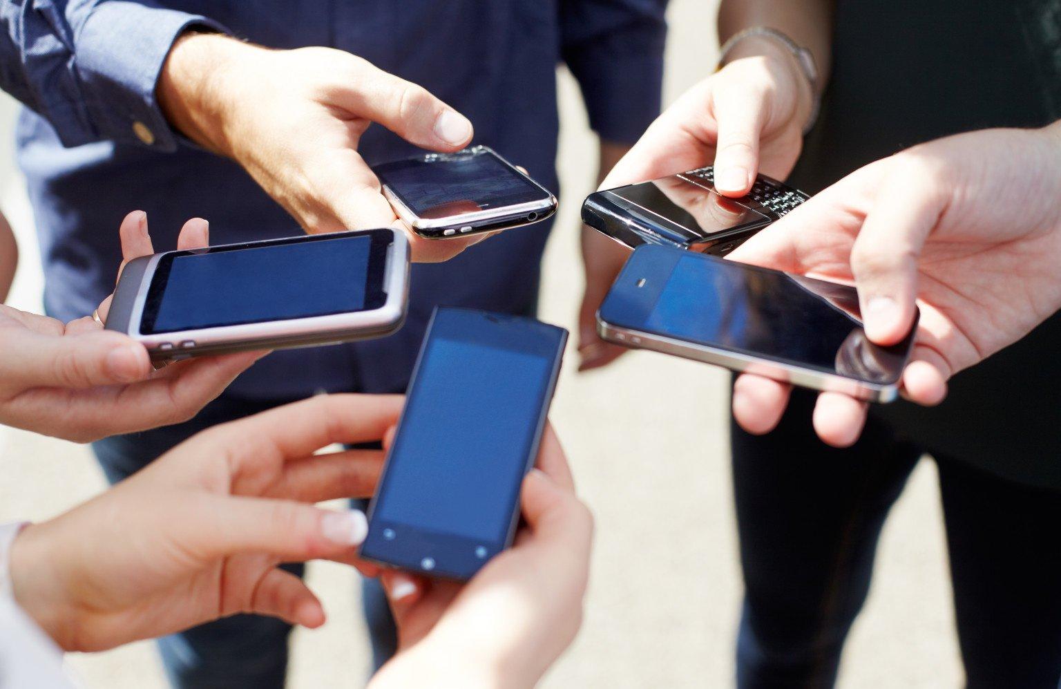 Опрос: Люди стали чаще пользоваться телефоном вовремя секса ипохорон