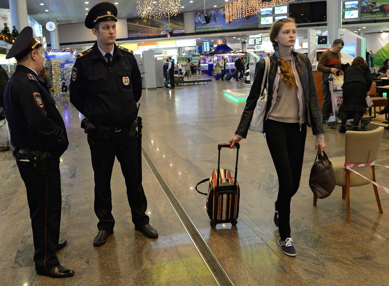 Пассажир рейса Женева— Москва схвачен вШереметьеве заагрессивное поведение