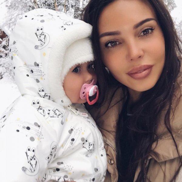 «Зря накачала губы»: Оксану Самойлову раскритиковали за слишком большие губы