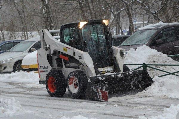 450 единиц спецтехники очищают от снега федеральные трассы ЦФО