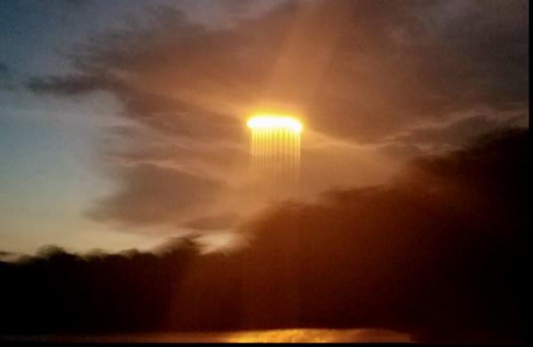Над Чувашией заметили загодочный луч света