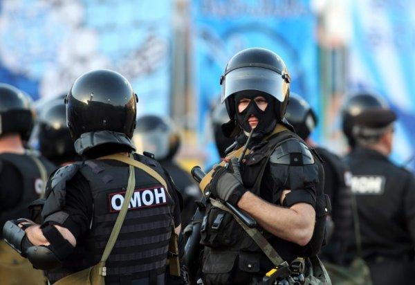 В Архангельске во время штурма дома с заложниками убили мужчину