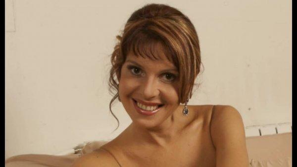 Наталья Штурм показала свою сексуальную грудь