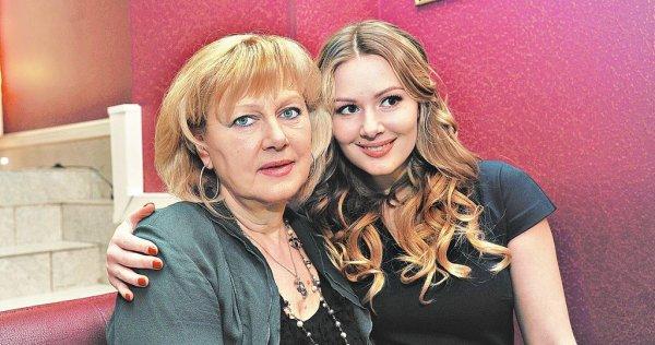 Мария Кожевникова поделилась семейным фото