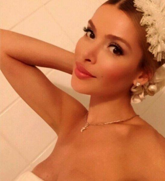 Светская львица Алена Кравец засветила пышную грудь в Instagram
