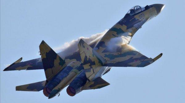 На вооружение Минобороны поступят 10 новейших истребителей Су-35