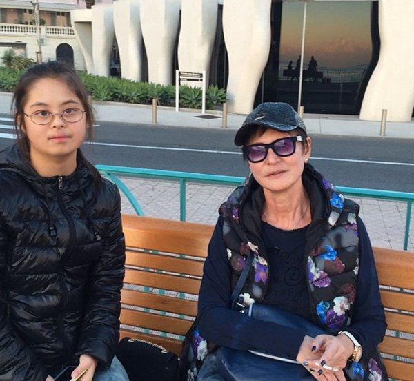 Ирина Хакамада рассказала о борьбе с раком у дочери с синдромом Дауна