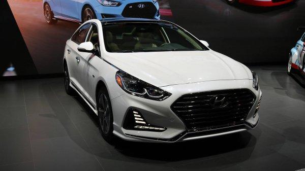В Чикаго дебютировала плагин-гибридная версия Hyundai Sonata