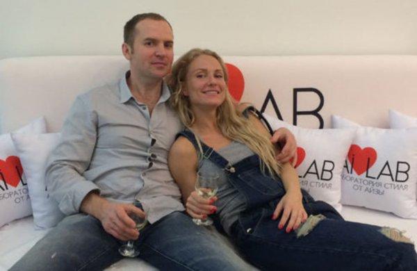 Адвокат Сергей Жорин начал новую войну с бывшей женой Катей Гордон