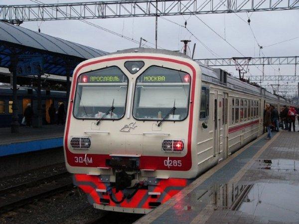 Электричка сбила мужчину на станции Яуза в Москве
