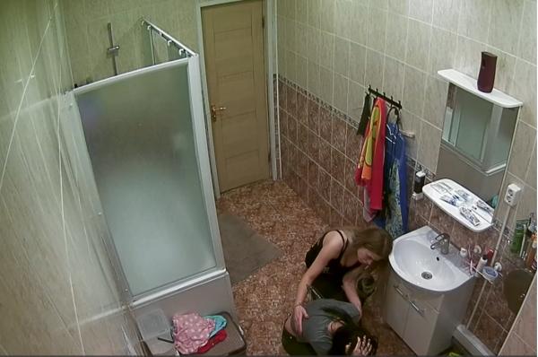 Участие или уход: Екатерина Зиновьева из «Дом-2» бьется в истерике