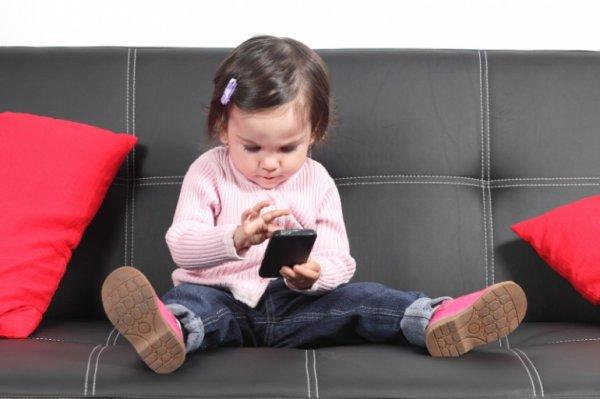 Ученые создали механизм для смартфона, различающий взрослых и детей