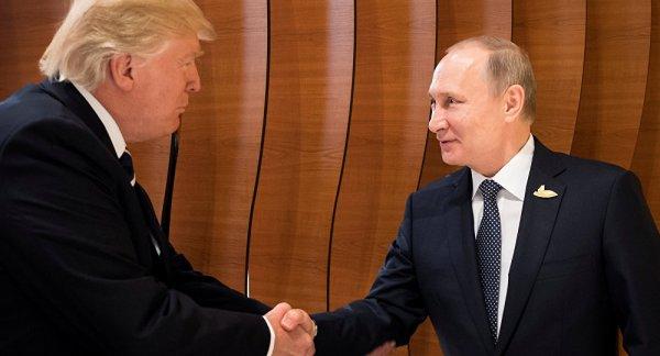 Трамп выразил соболезнование Путину в связи с авиакатастрофой Ан-148