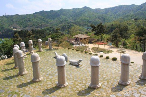 Парк пенисов в Южной Корее притягивает зрителей Олимпиады-2018