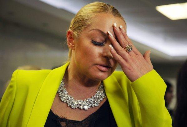 Неизвестные платят миллионы за травлю в Сетях Анастасии Волочковой