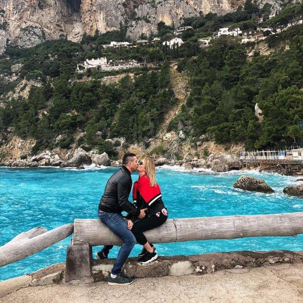 Дарья Пынзарь трогательно поздравила мужа с Днем святого Валентина