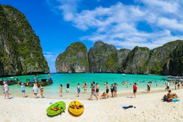 В Таиланде отрицают информацию о закрытии пляжа, известного по фильму с Ди Каприо
