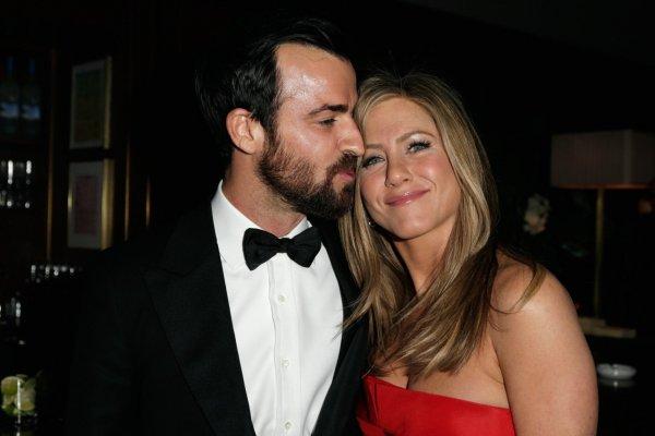 Лена Миро восхитилась разводом Энистон и Теру