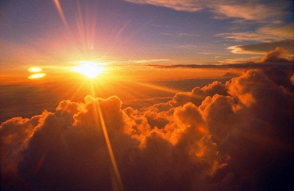 Солнце на мгновение исчезло в космосе
