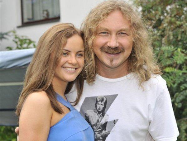 Юлия Проскурякова поздравила мужа Игорь Николаев с годовщиной их знакомства