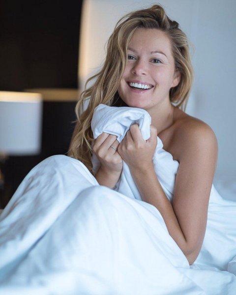 Мария Кожевникова искушает подписчиков «голым» фото без макияжа
