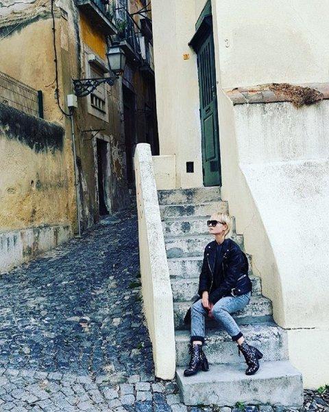 Полина Гагарина едва не утонула в океане в Португалии