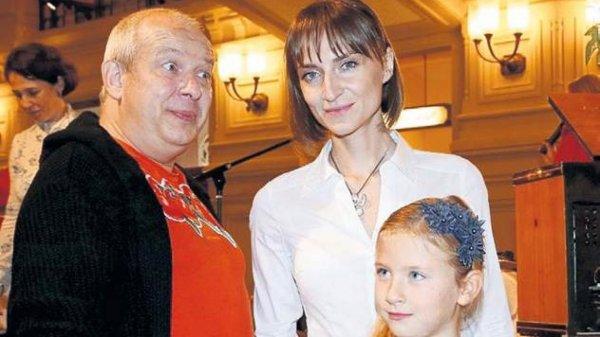 Вдова Марьянова отказалась от таблеток после потери супруга