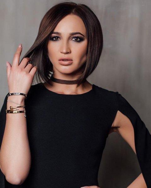 Битва клонов: Ольга Бузова и Оксана Самойлова надели одинаковые платья