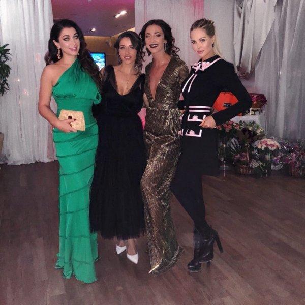 Ольга Бузова зажгла в компании друзей экс-супруга Дмитрия Тарасова