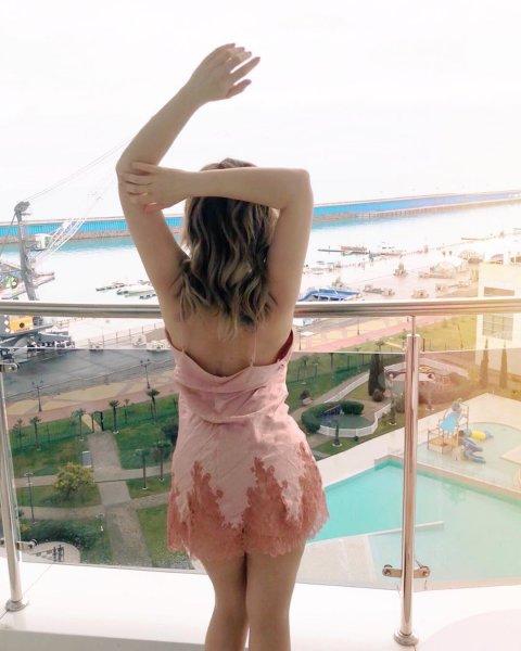 Сексуальная Анфиса Чехова опубликовала пост мотивации в Instagram