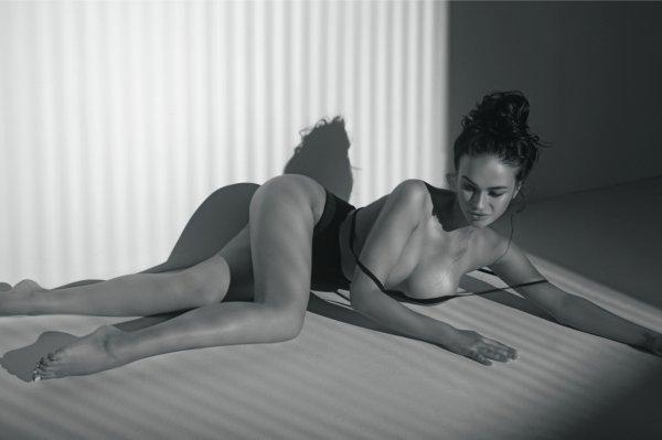 Обнажённая грудь Яны Кошкиной впечатлила мужчин